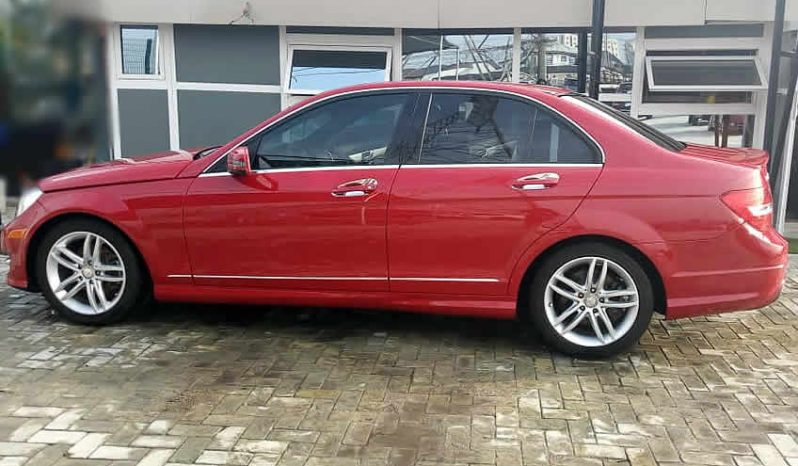 Mercedes Benz C250, 2012 full
